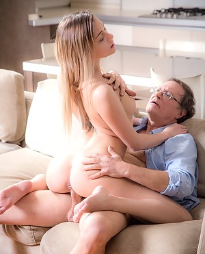 Old Man and Young Big Booty Porn Pictures