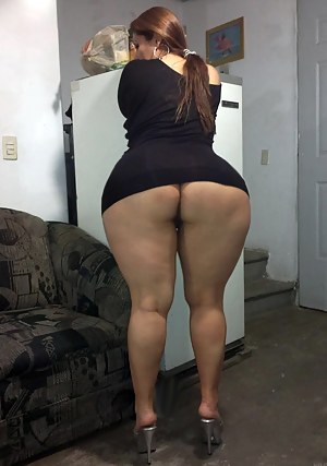 Big Booty Moms Porn Pictures