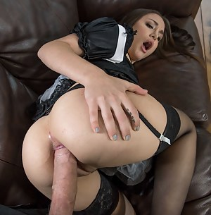 Big Booty Maid Porn Pictures