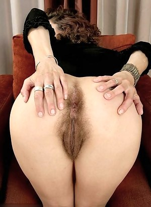 Big Booty Hairy Pussy Porn Pictures