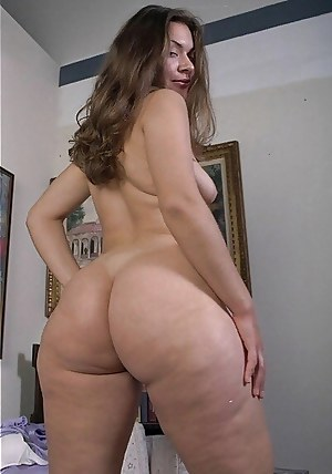 Mature Booty Porn Pictures