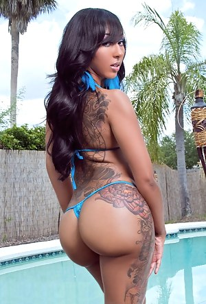 Inked Big Booty Porn Pictures