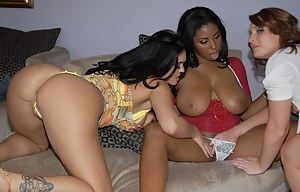 Big Booty Lesbian Interracial Porn Pictures